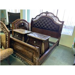 7 PCS DARK WOOD & LEATHER STUDDED KING SIZE BEDROOM SUIT INCLUDING ; HEADBOARD, FOOTBOARD,