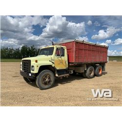1980 INTERNATIONAL S SERIES T/A GRAIN TRUCK