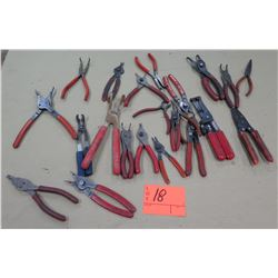 Box Multiple Misc Fastener Clip Lifters, Wire Cutter & Stripper, Dikes, etc
