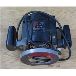 Skil 1823 25.000 Min 120V 50-60Hz 8.5A Plunge Router