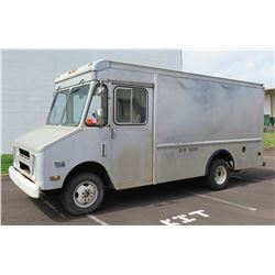 1988 Silver Chevrolet Box Truck Delivery Step Van 30 GVW 10,000 (plates in storage, no back fees)