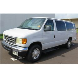 2003 White Ford Econoline E-350 XL  Duty Van w/ 3 Rows Seats 226,688 Miles