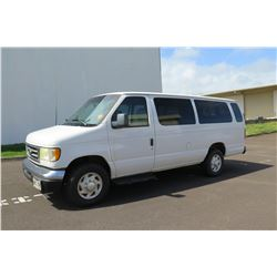 2002 White Ford Econoline E-350 XL  Duty Van w/ 3 Rows Seats 261,252 Miles