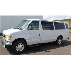 2002 White Ford Econoline E-350 XL  Duty Van w/ 3 Rows Seats 217,593Miles