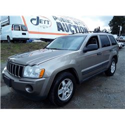 "A12G - 2006 JEEP GRAND CHEROKEE LAREDO SUV, BROWN, 276,035 KMS """" No Reserve """""