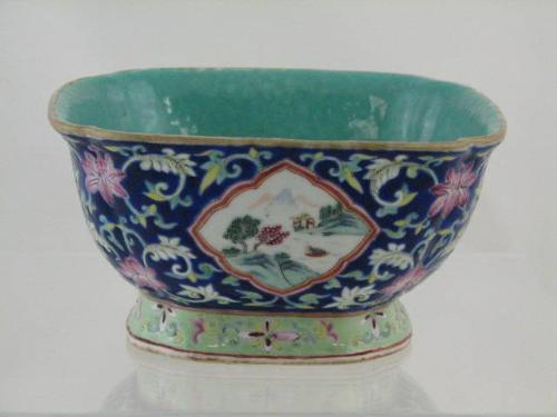 Antique 18 19th c Qing CHINESE GINGER JAR Vase Famille