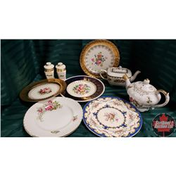 Tray Lot : Chinaware (Teapots, Plates, etc)