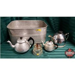 Basin w/Movable Bottom & 3 Teapots & 1 Insulator