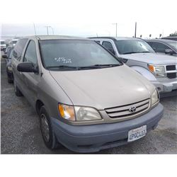 TOYOTA SIENNA 2001 L/S-DONATION