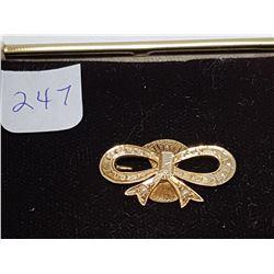 14 KT gold brooch