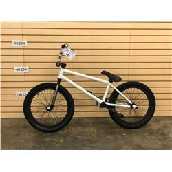 WHITE NO NAME BMX BIKE WITH 2 PEGS