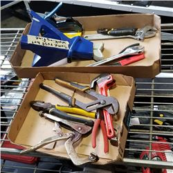 2 TRAYS OF VARIOUS HAND TOOLS AND JACK STAND