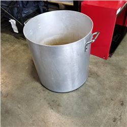 LARGE METAL POT