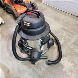 SHOP VAC 8 GALLON W/ HOSE