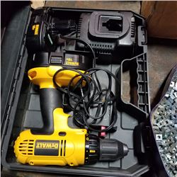 DEWALT 18VOLT DRILL WITH EXTRA BATTERY AND CHARGER