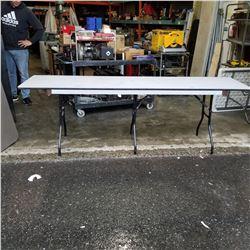8FT TRIPLE LEG FOLDING TABLE