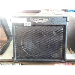TRAYNOR TVM10 PORTABLEGUITAR AMP WITH CHARGER