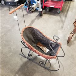 METAL AND WICKER SLED DECORATION