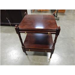 SMALL 1 DRAWER ROLLING END TABLE W/ PULL OUT TRAY