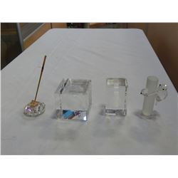 CRYSTAL FIGURES AND ENCAPSULATED GLASS PAPERWEIGHTS