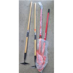 Qty 2 Corona Diamond Hoes & 2 Red Corona Trench Shovels