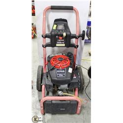 HUSKY 2600 PSI PRESSURE WASHER - NEEDS A NOZZLE.