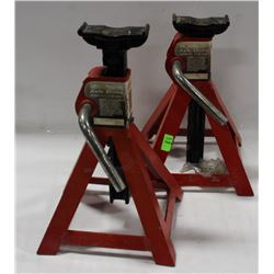 PAIR OF MOTOMASTER AXLE STANDS