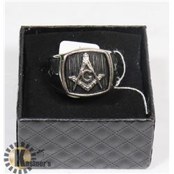 MENS MASONIC RING SIZE 11.
