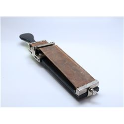 VINTAGE HAND HELD NEW YORK RAZOR STROP