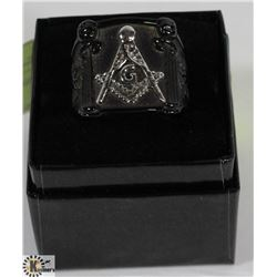 MENS SZ 10.5 BLACK MASONIC RING WITH SILVER TONED