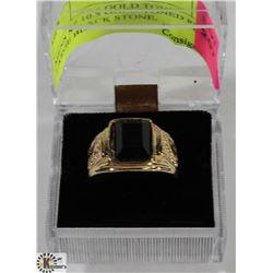 MENS SZ 10.5 GOLD TONED RING W/ LARGE BLACK STONE,