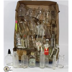 FLAT WITH ASSORTED SMALL VINTAGE BOTTLES