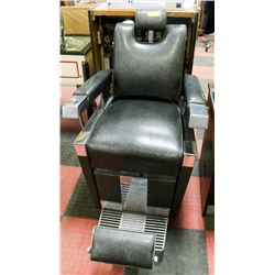 VINTAGE BARBER CHAIR.