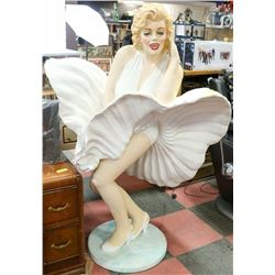 6FT MARILYN MONROE FIGURE.