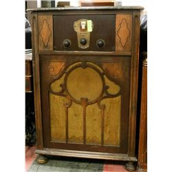 "1920S UPRIGHT KOLSTER RADIO, 27""X16""X40.5""."