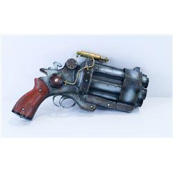 HELLBOY STEAMPUNK REPLICA GUN.