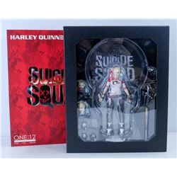 MEZCO HARLEY QUINN 1:12 SCALE COLLECTOR FIGURE.
