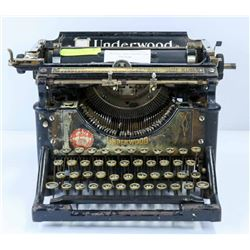 VINTAGE 1920'S UNDERWOOD TYPEWRITER, ORIGINAL