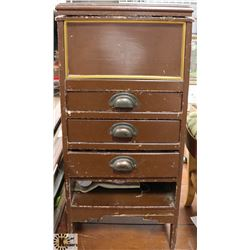 VINTAGE MID 1930S 3 DRAWER SEWING CABINET WITH