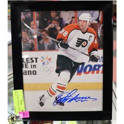 ERIC LINDROS SIGNED AND FRAMED PHOTO,