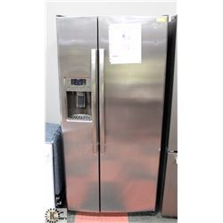 GE SIDE BY SIDE STAINLESS STEEL FRIDGE WITH WATER