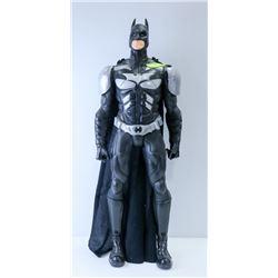 GIANT SIZE BATMAN FIGURE.
