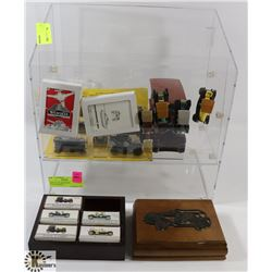 DISPLAY OF ASSORTED COLLECTIBLES