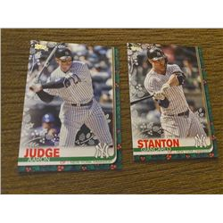 Aaron Judge, Giancarlo Stanton topps holiday green