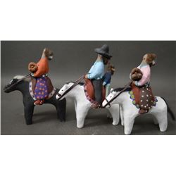 NAVAJO INDIAN POTTERY FOLK ART FIGURES