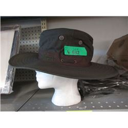 6 New Outback River Hats - Size Medium