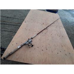 Fishing Rod W/Daiwa 2600D Reel