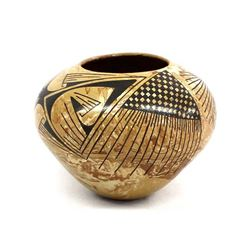 Mata Ortiz Marbleized Pottery Jar