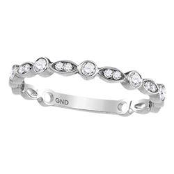 10kt White Gold Round Diamond Heart Stud Earrings 1/6 Cttw