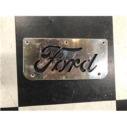 NO RESERVE VINTAGE COLLECTIBLE FORD PLATE